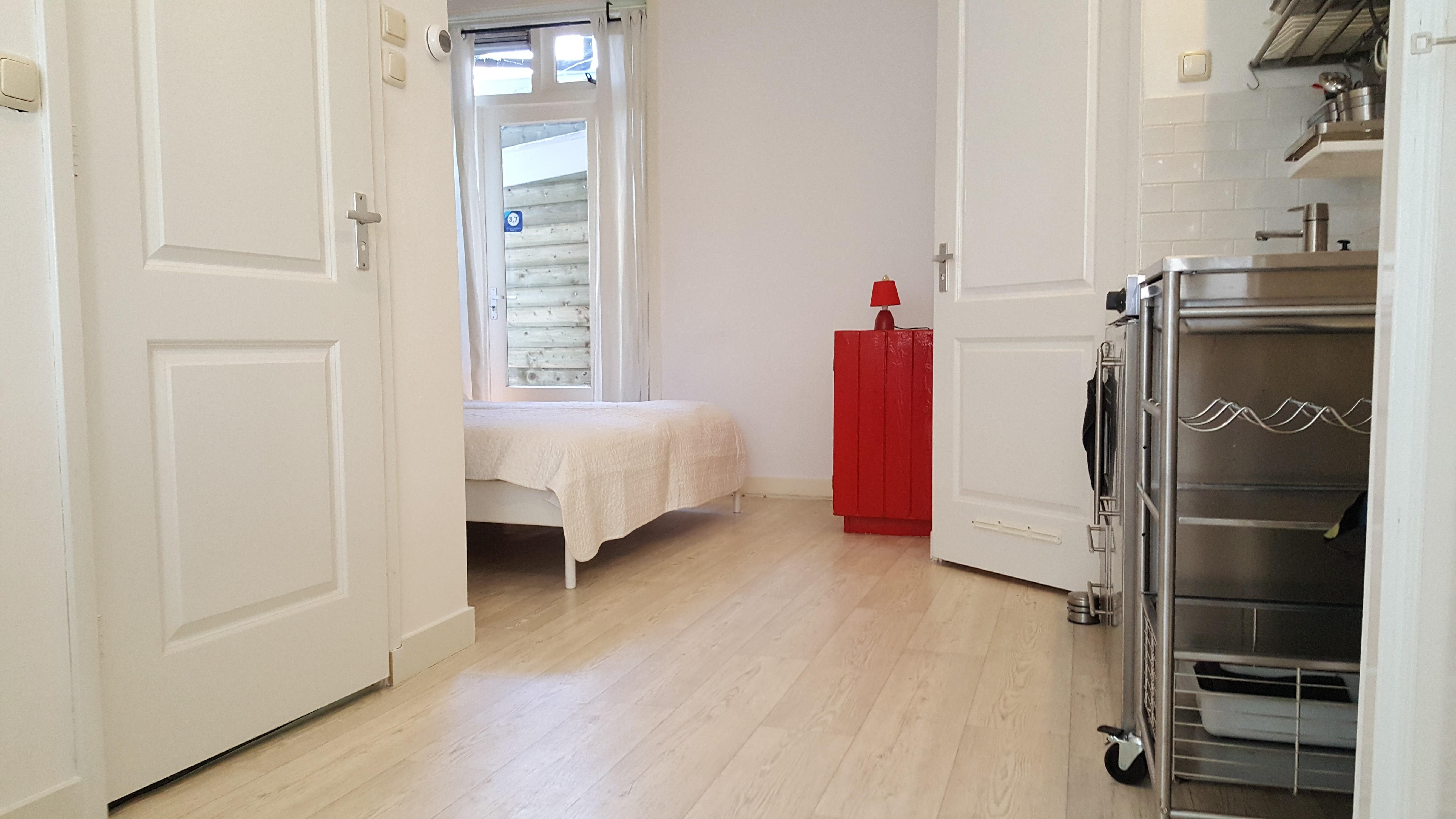 Apartment Clean 4 guest studio 2 KM  from Anne Frank house  3 KM from Dam Square photo 23229764